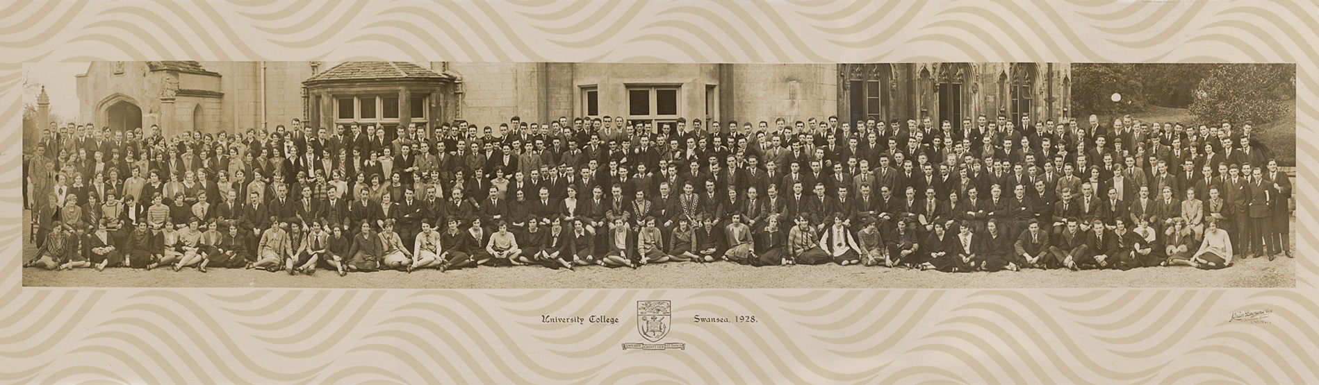 1928 university staff and student group photo outside the Abbey building