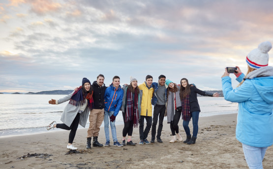 Homecoming of students to Swansea Bay