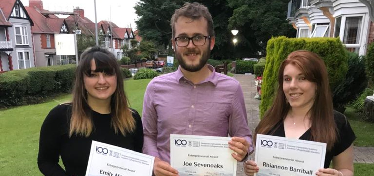 Joe Sevenoaks, Emily MacAulay a Rhiannon Barriball