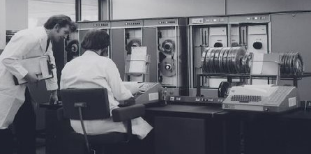 Staff operating the ICL 1904 at the Computer Centre at Swansea University