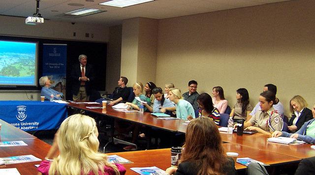 Rhodri Morgan with Bush School Students