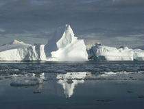 Antarctic glacier retreating 2