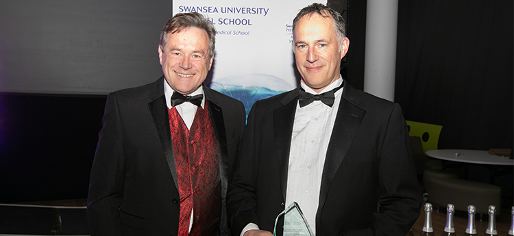 Simon Thompson Recieving the Enterprise and Innovation Award