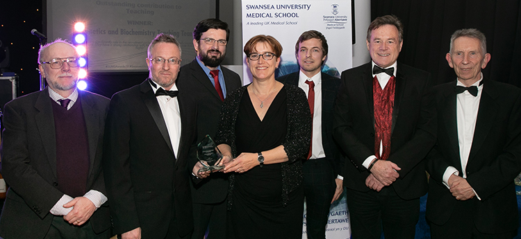 Gen Bio Team Recieve Outstanding Contribution to Teaching Award