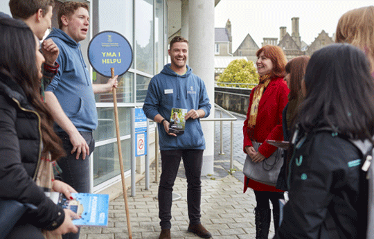 Student ambassadors giving guided tours at an open day